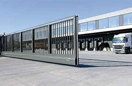 Rolltor als Sicherheitsabschluss